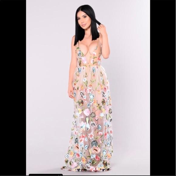 0c81f807bb4 Fashion Nova Dresses   Skirts - Fashion Nova Spring Gala Dress